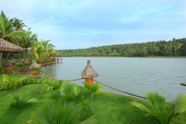 11_Fragrant_Nature_Kollam.jpg