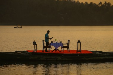Backwater_Hotel_in_Kollam_Kerala_Special_Destination_Dining.jpg