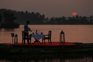 Best_Backwater_Hotel_in_Kollam_Varkala_Special_Dinner.jpg